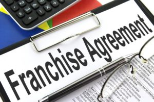 franchise-agreement-on-clipboard